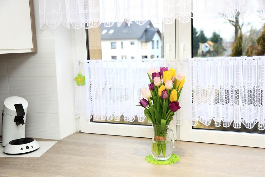 Jak dobrać zazdrostki do okna kuchennego?